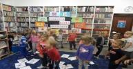 Urodziny Pasiastej Basi w bibliotece w Markowicach
